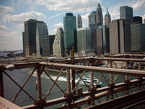 300px-Manhattan_downtown_from_brooklyn_bridge.jpeg